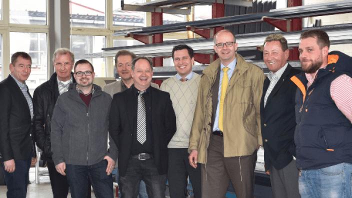 """""""Spitzenleistung Mittelstand"""" MdB Michael Brand (3.v.r) informiert sich in Burghaun-Steinbach über den Wertstoffkreislauf Aluminium"""