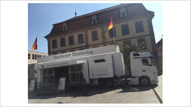 """Bundestags-Truck noch bis Mittwoch in Fulda - """"Gute Gelegenheit nutzen!"""""""